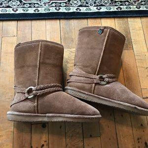 Bear paw boots, sheepskin lining